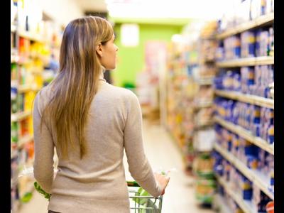 9 de cada 10 mujeres hacen la compra en España